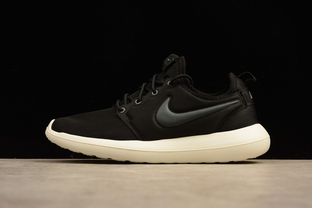 Кроссовки женские Nike Roshe Run Two / NKR-1272 (Реплика)