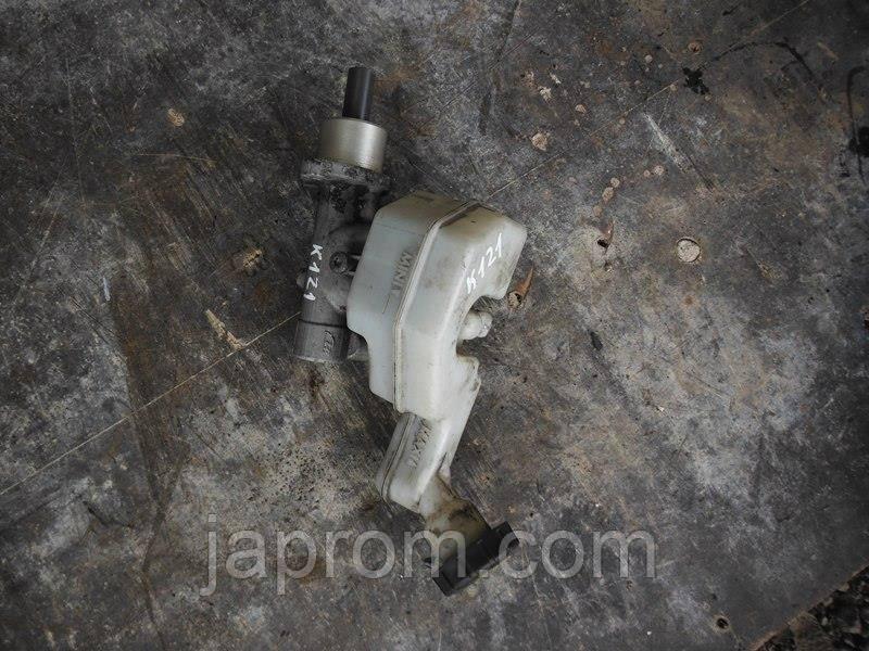 Главный тормозной цилиндр Nissan micra K 12
