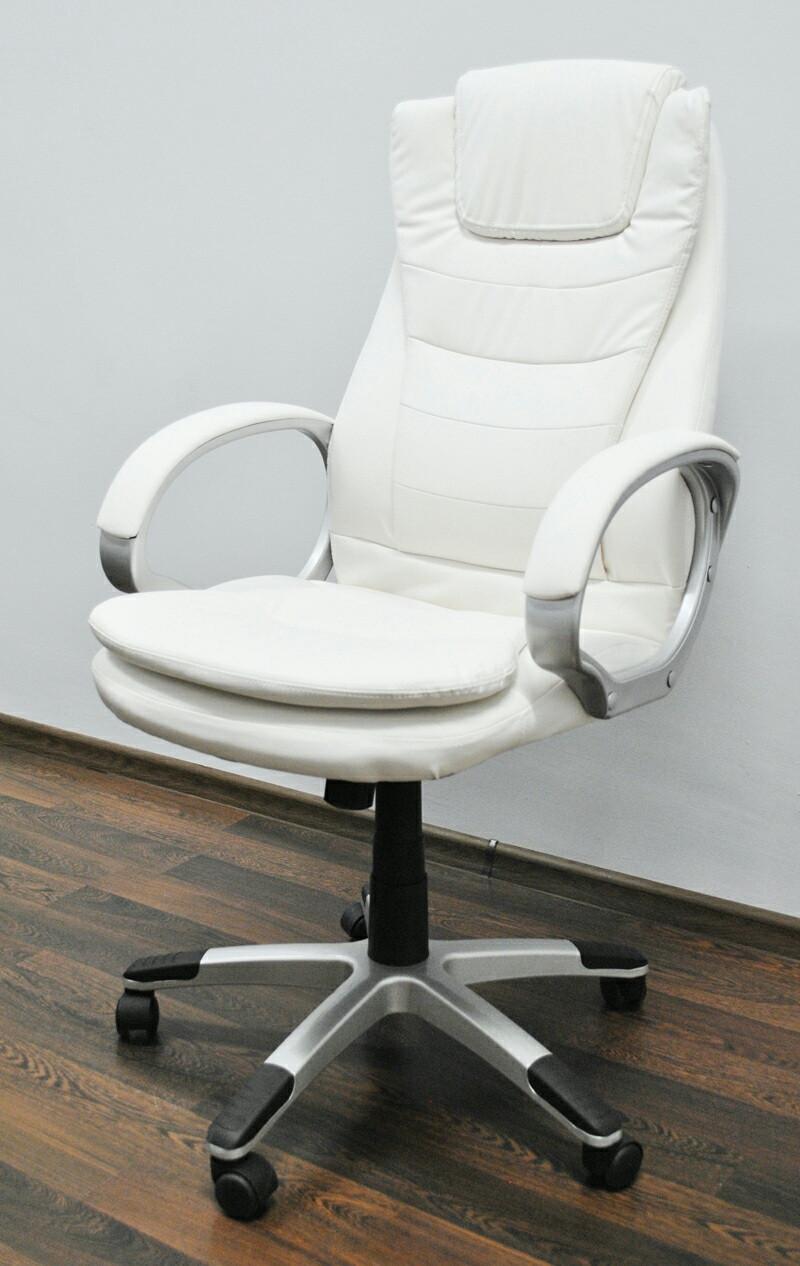 Шикарное белое кресло Georg