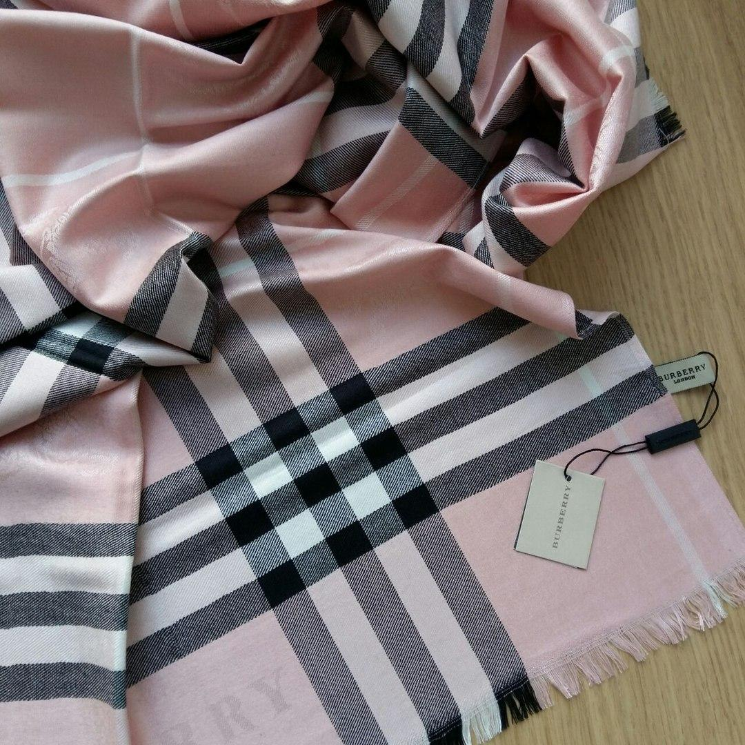 Палантин Барберри пудровый  продажа, цена в Одессе. шарфы от