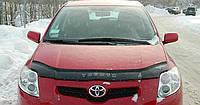 Мухобойка на капот Toyota Auris c 2007-2010