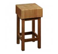 Деревянная колодка для рубки мяса.