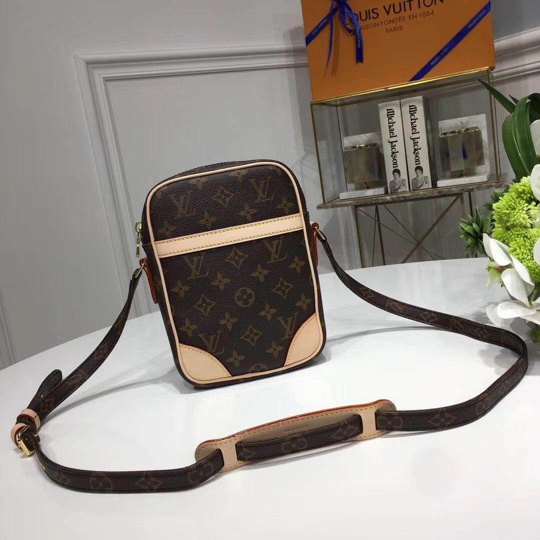b55e39ffde93 Louis Vuitton - мужская сумка через плечо, цена 7 300 грн., купить в ...