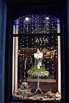 Украшение новогодних витрин и интерьеров