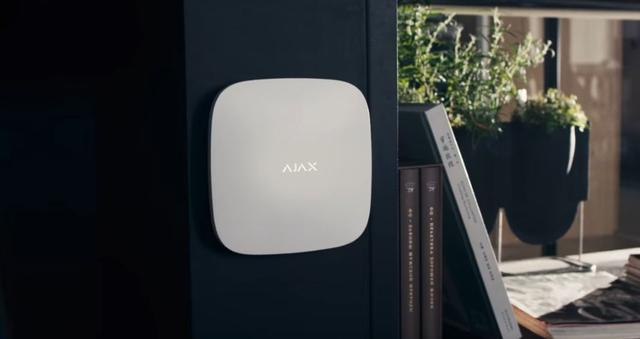 Сигнализация Ajax StarterKit в доме