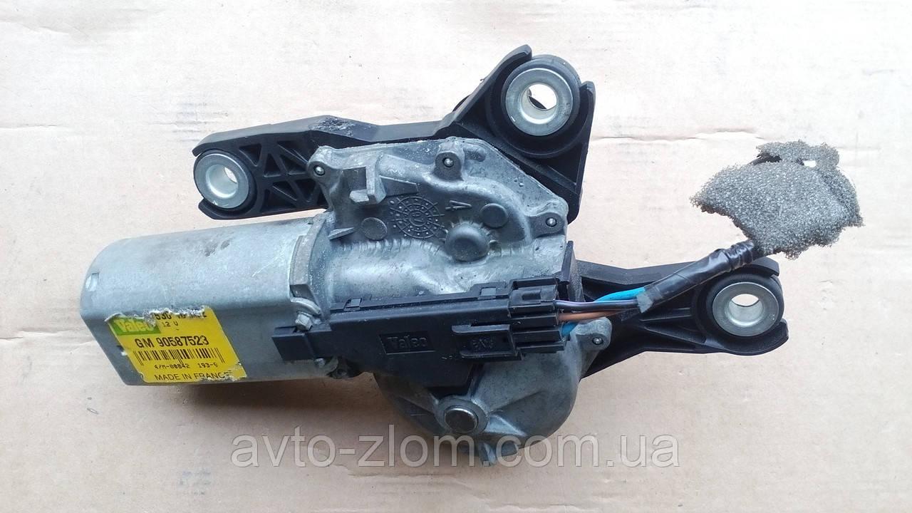 Моторчик заднего дворника Opel Zafira A, Опель Зафира А. 90587523.