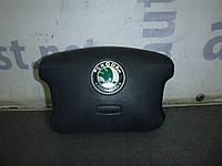 Подушка безопасности водителя Skoda OCTAVIA TOUR 2002-2010 (Шкода Октавия Тур), 1U0880201A