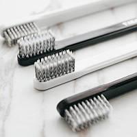 Белая и черная зубная щетка Дневной и ночной уголь Черная зубная щетка для чистки зубов Средняя Soft Щетина