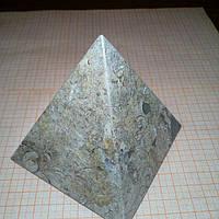 Пирамида из яшмы 11*10см