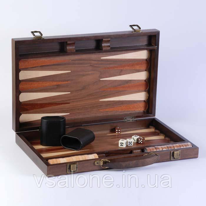 Нарды в деревянном кейсе,орех.Размер 39х39 см.