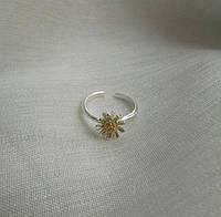Цветочек с позолотой - серебряное кольцо 925 пробы