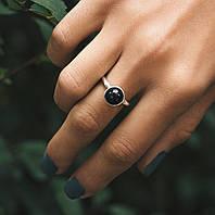 С черной бусинкой - серебряное кольцо 925 пробы