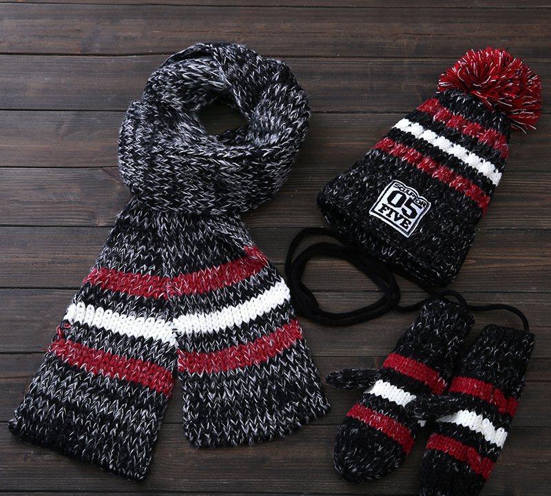 Вязаный комплект женский шапка, шарф и варежки Caple black