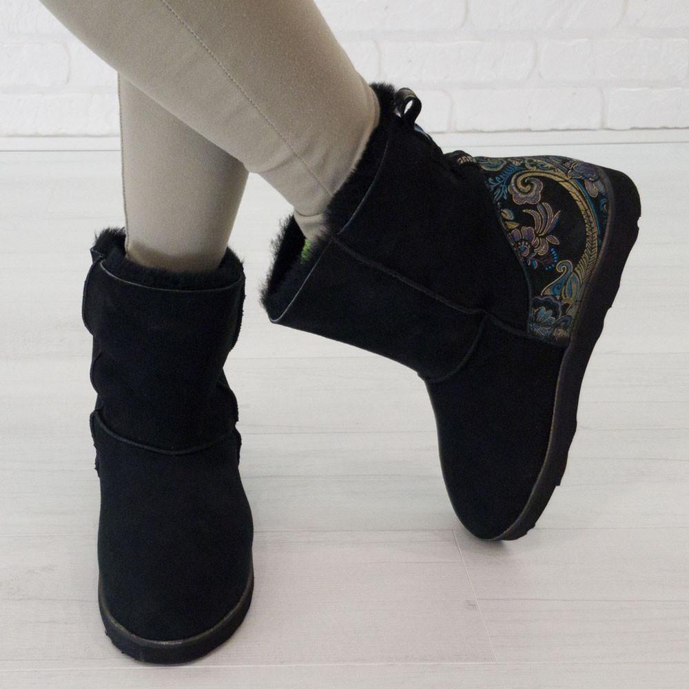 Угги натуральные с имитацией вышивки черные (О-821)