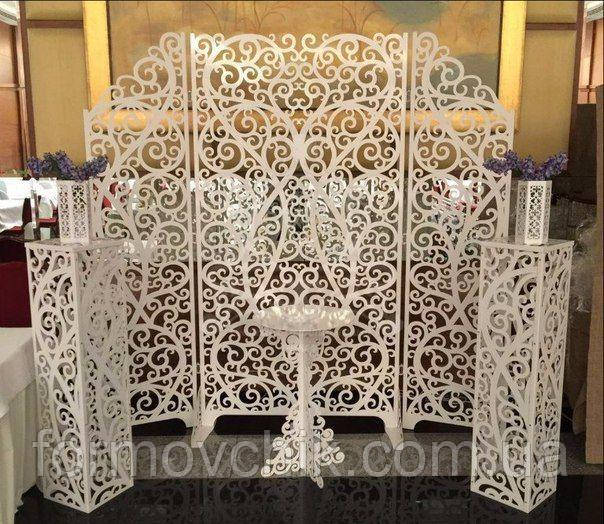 Ажурная арка и стол для свадьбы