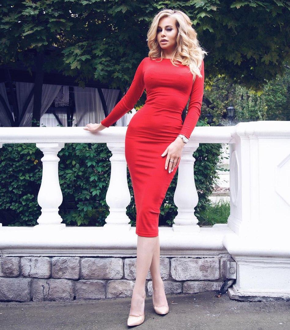 Платье футляр красного цвета с горловиной лодочка - Интернет-магазин одежды  и обуви от производителя 2f172cbeae5