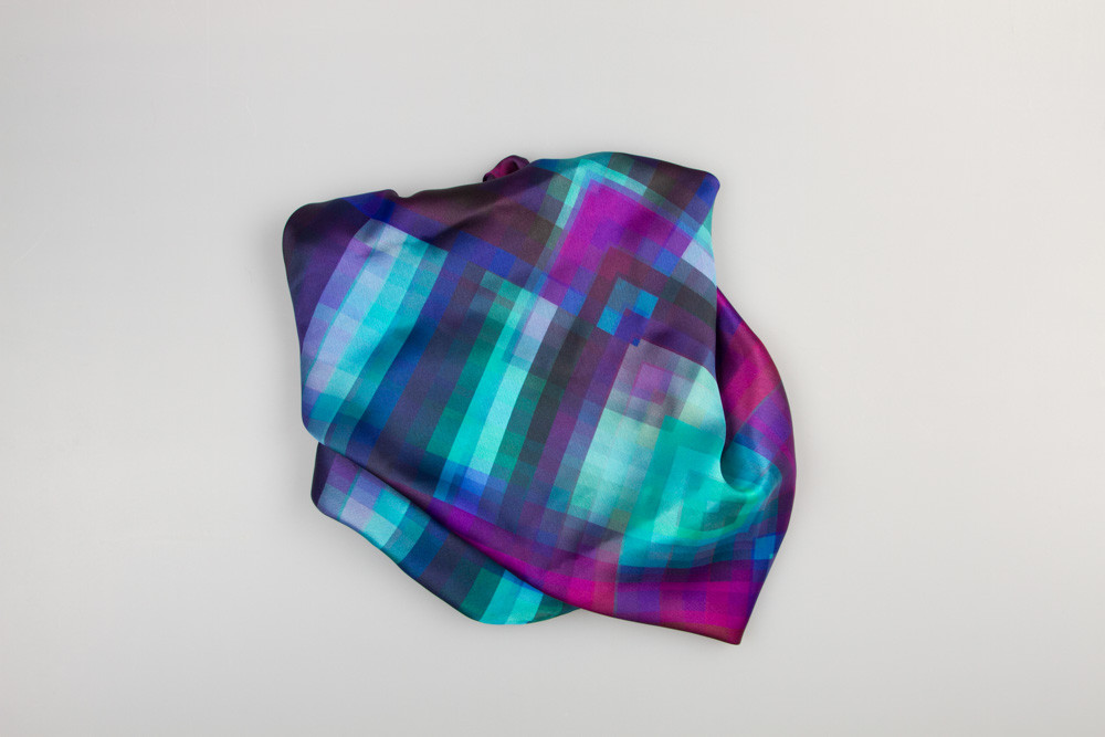 Шелковый платок в синих тонах в клетку Chadrin