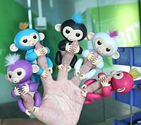 "Интерактивная обезьянка на палец "" Fingerling Baby"""