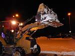 Уборка снега экскаватором от нашей компании