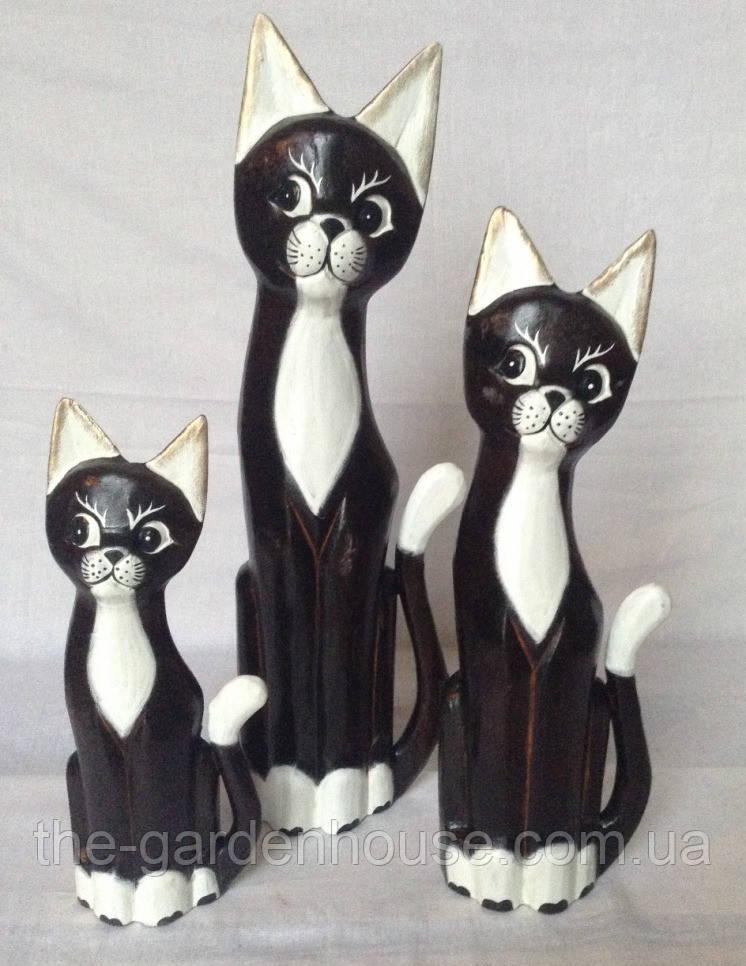 Семья белогрудых котов (50, 40 и 30 см)