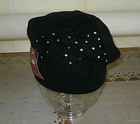 Женский вязанный берет ангора черный/фиолетовый