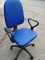 Кресло офисное б/у. Кож.зам Цвет:синий
