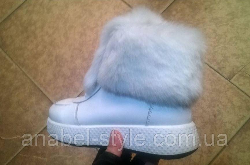 Ботинки зимние из натуральной кожи с опушкой из натурального меха на шнуровке белого цвета код 1208