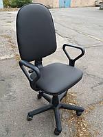 Кресло офисное б/у. Кож.зам Цвет:черный