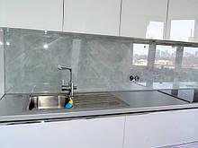 Фартук из стекла для кухни (скинали)