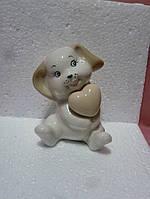 Собака с сердцем фарфоровая статуэтка фигурка 9,5см высота