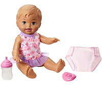 Писающий пупс с карими глазами в комплекте с аксессуарами Little Mommy Drink & Wet Doll, Brown Eyes
