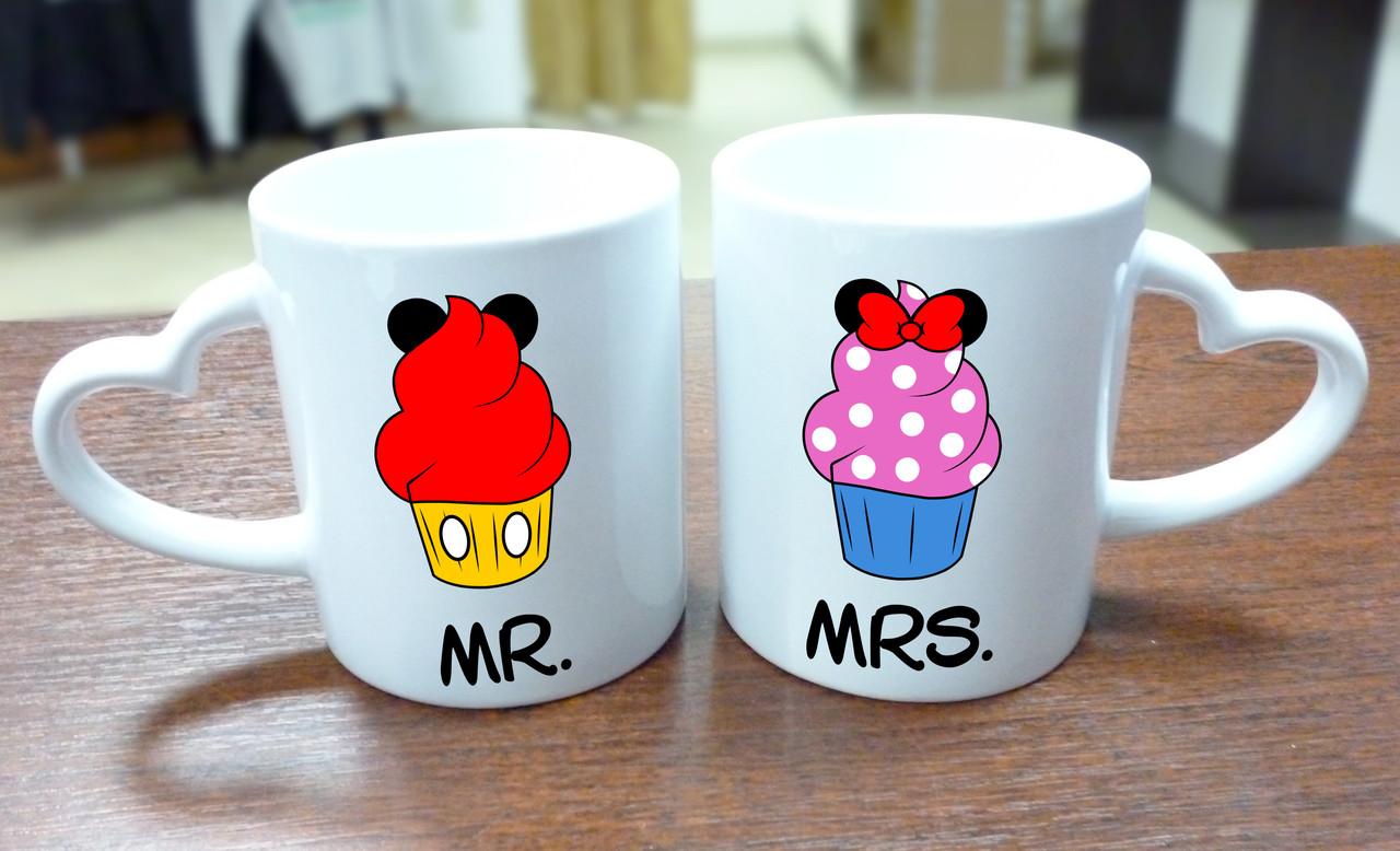 """Парные кружки """"Mr. и Mrs."""", ручка сердце"""