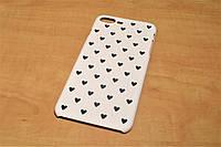 Пластиковый чехол накладка для iPhone 7 Plus (Сердечки)
