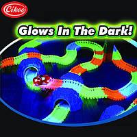 Детский светящийся гибкий трек Magic Tracks: 220 деталей (светящаяся дорога с машинкой Меджик Трек), фото 1