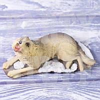 Статуэтка Воющий волк
