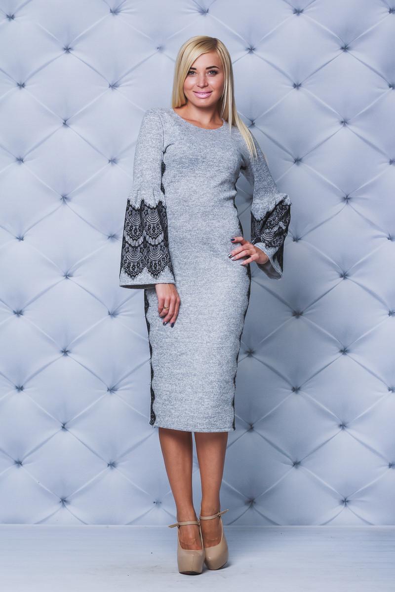 Нарядное женское платье с кружевом св-серое
