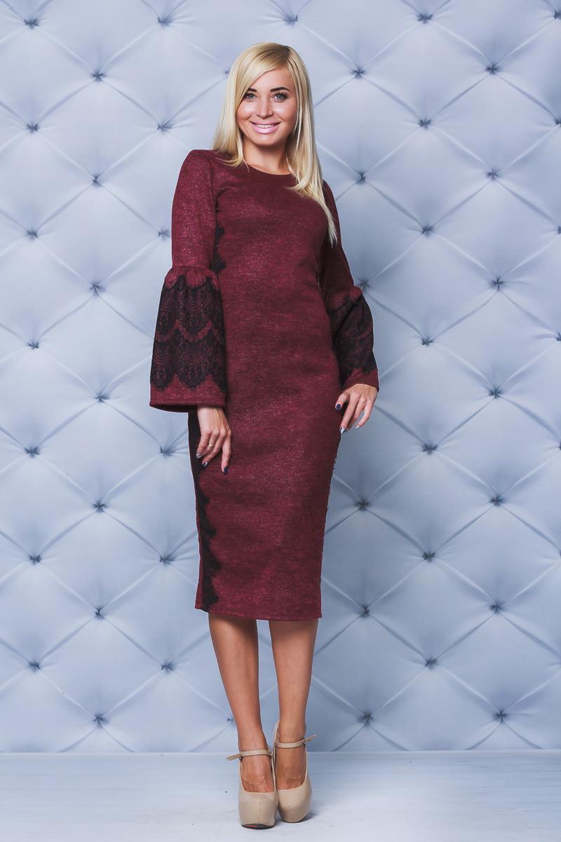 Нарядное женское платье с кружевом бордо