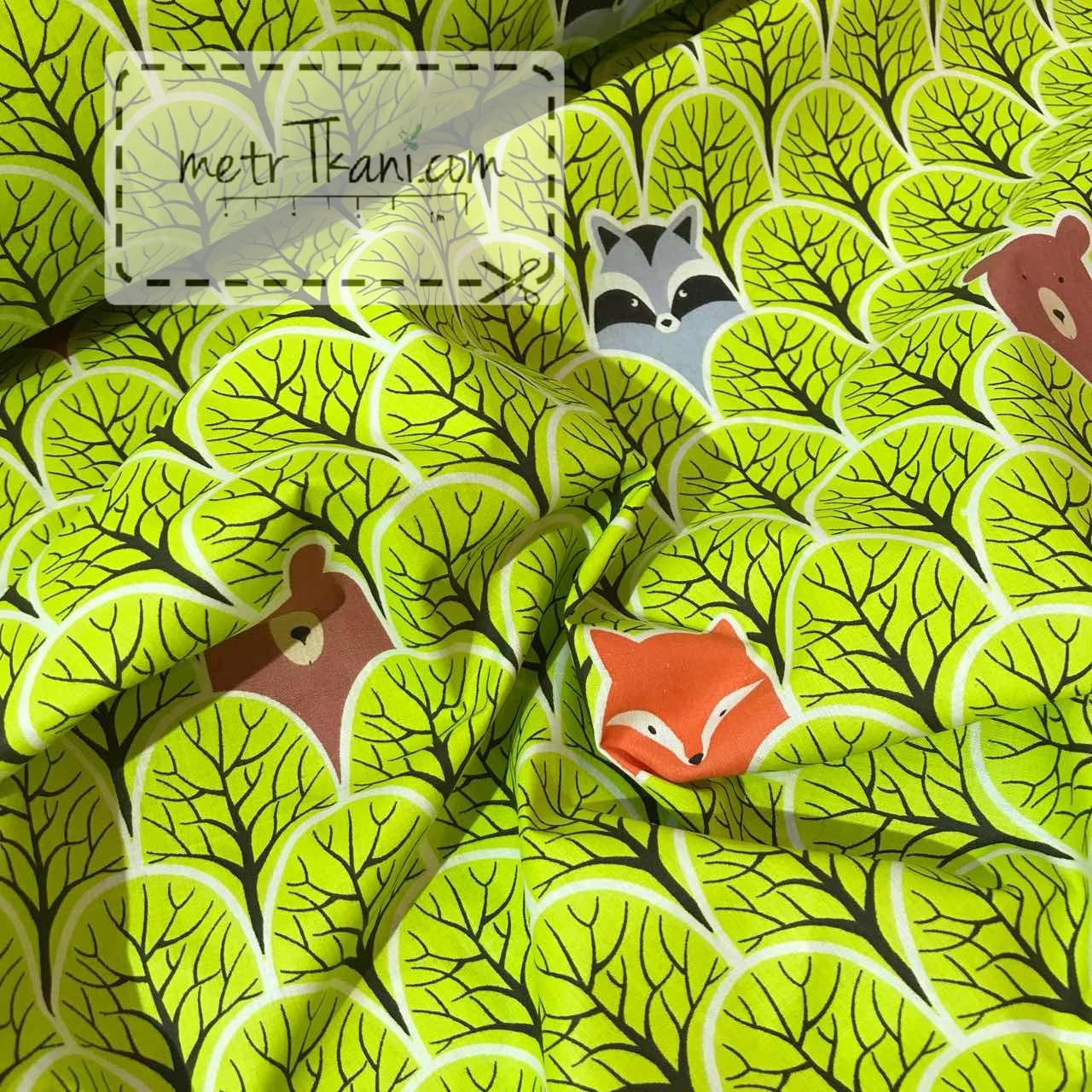 """Ткань хлопковая """"Зверята в деревьях"""" салатового цвета №841"""