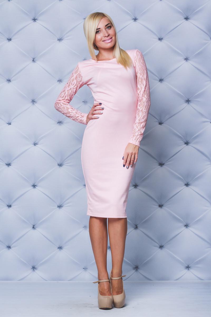 Трикотажное платье с кружевом персик