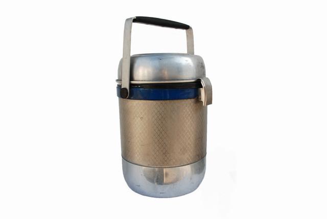 Термоса бытовые и электрические чайники