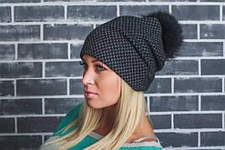 Молодежная женская шапка на флисе с бубоном