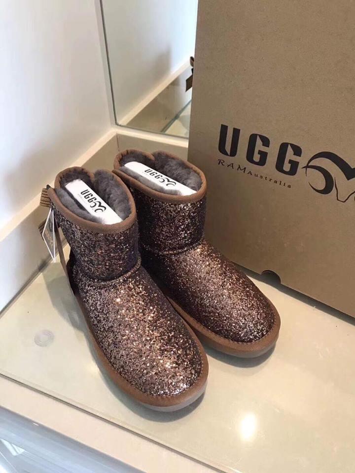 400ec5205 Брендовая зимняя обувь женская - Premium UGG (Угги), цена 3 800 грн ...