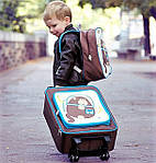 Детский дорожный чемодан – стильный аксессуар для маленьких модников.