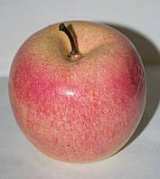 Искусственное яблоко для декора