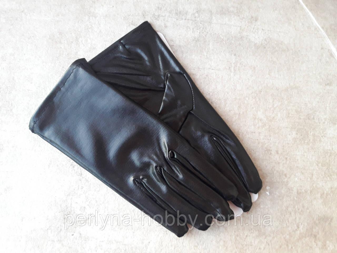 Перчатки женские Рукавички жіночі короткі 22 см. Чорні, тканинні з напиленням під шкіру.