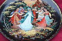 Холуйская миниатюра на тарелке