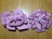 Бантики нарядные из ленты на резинке,8*7см, уп. 2 шт.(пара). Цвет розовый фрес (в реальности более н