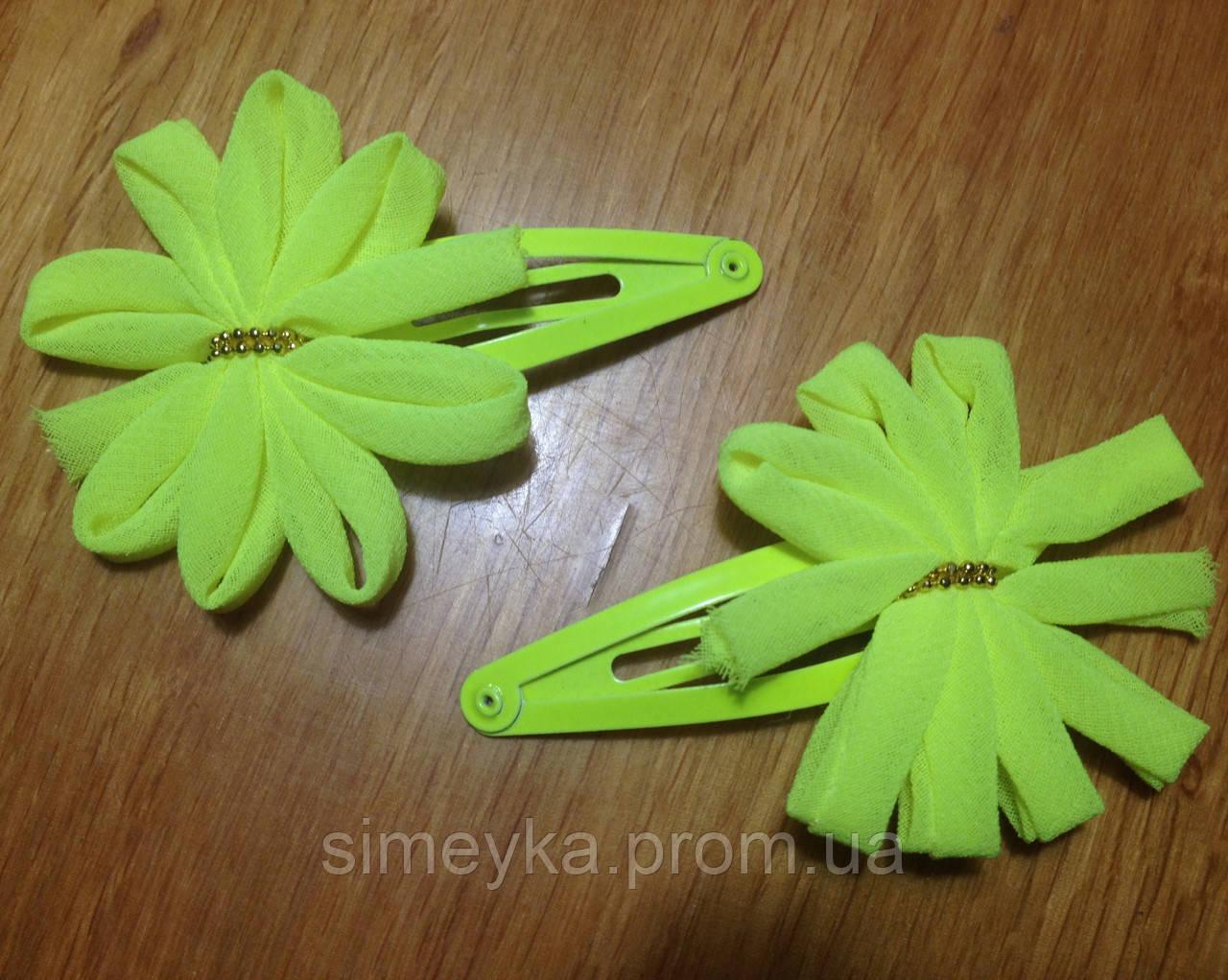 """Защёлка для волос """"тик-так"""" (клик-клак) с цветком, уп. 2 шт. (пара). Ярко-жёлтые неоновые (в реальности ярче)"""