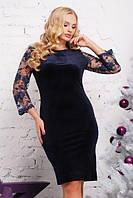 Платье велюровое с гипюром