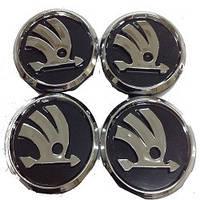 Колпачки заглушки на титановые диски Skoda 60/55 мм черн хром пластик  эмблема объемная